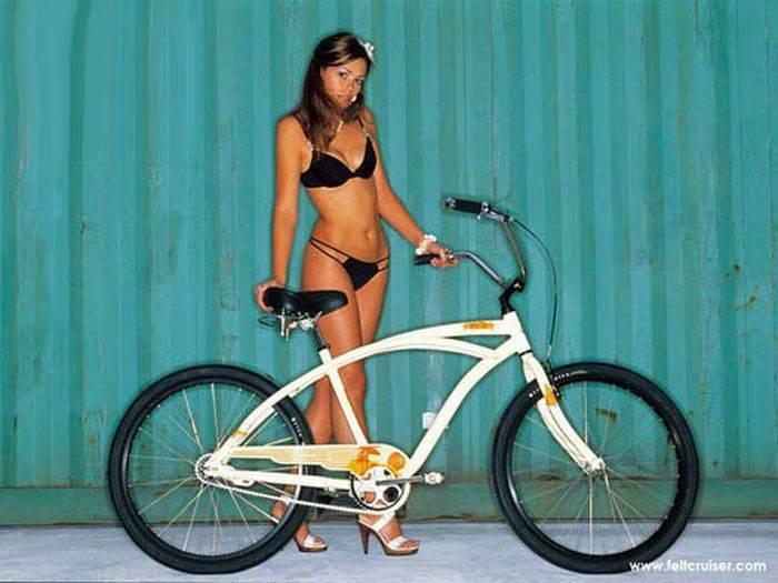 Dziewczyny na rowerach 33