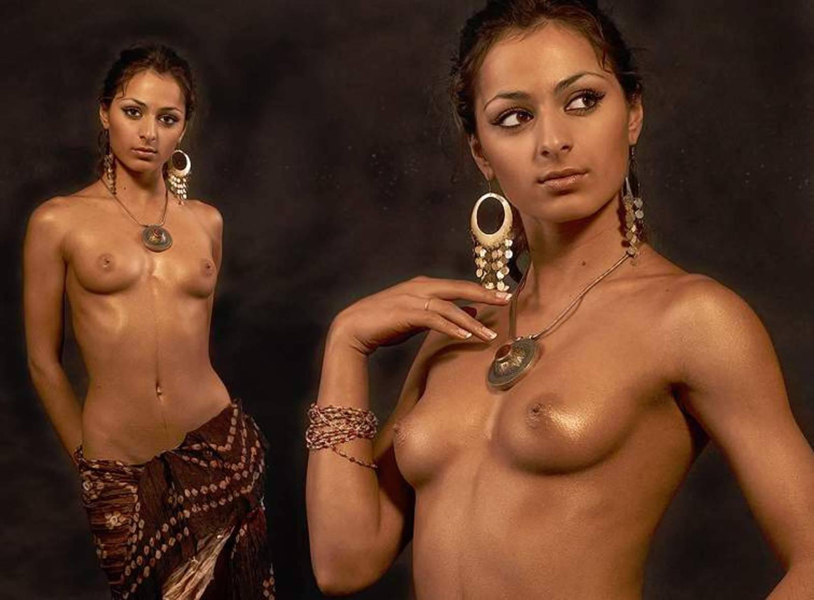 Фото индиской эротики 12 фотография
