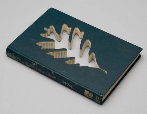 Rzeźby z książek. 16