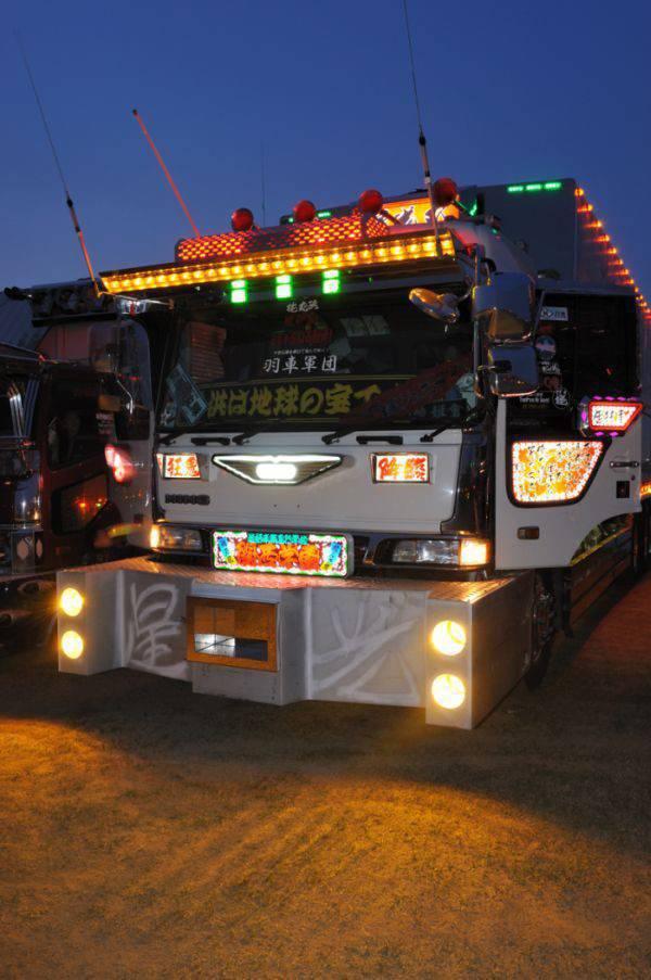 Japoński tuning ciężarówek 20