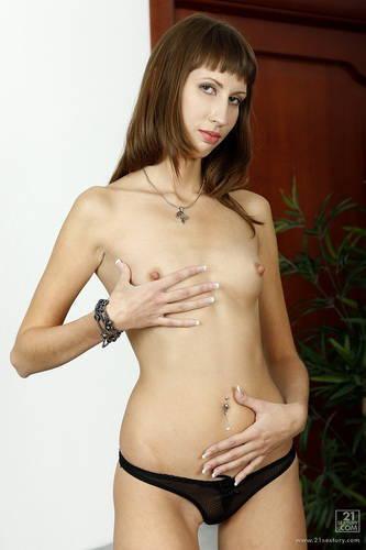 ClubSandy.com - Tanielle