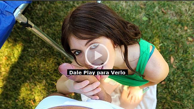 17547404d95c39d881d5a65c49e4ee9ba36e59dc MOFOS   Ashlyn Rae   Placer en el Jardin Trasero con una Jovencita