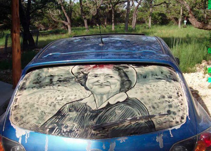 Obrazy na brudnych samochodach 27