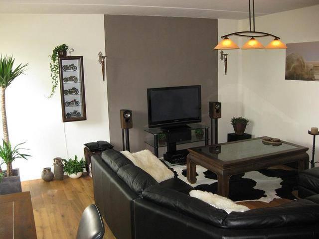 Muur achter tv donkerder maken foto s van huidige situatie - Kleur schilderij slaapkamer volwassen foto ...
