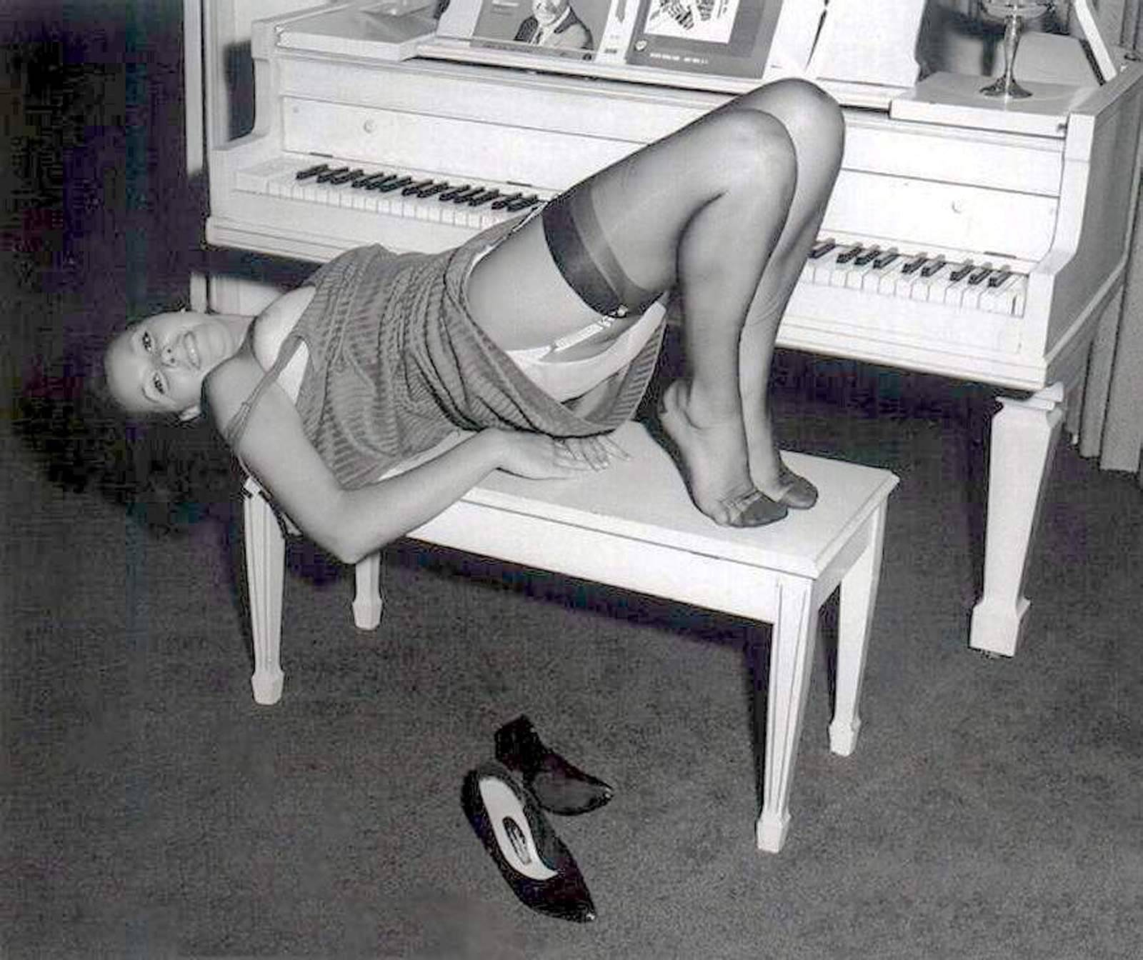 Ретро эротика нижнего белья фото 16 фотография