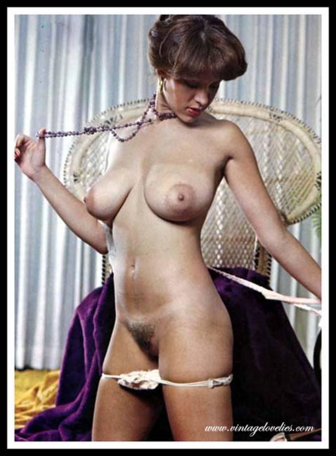 Ретро порно фото баб с небритой пиздой 2 фотография