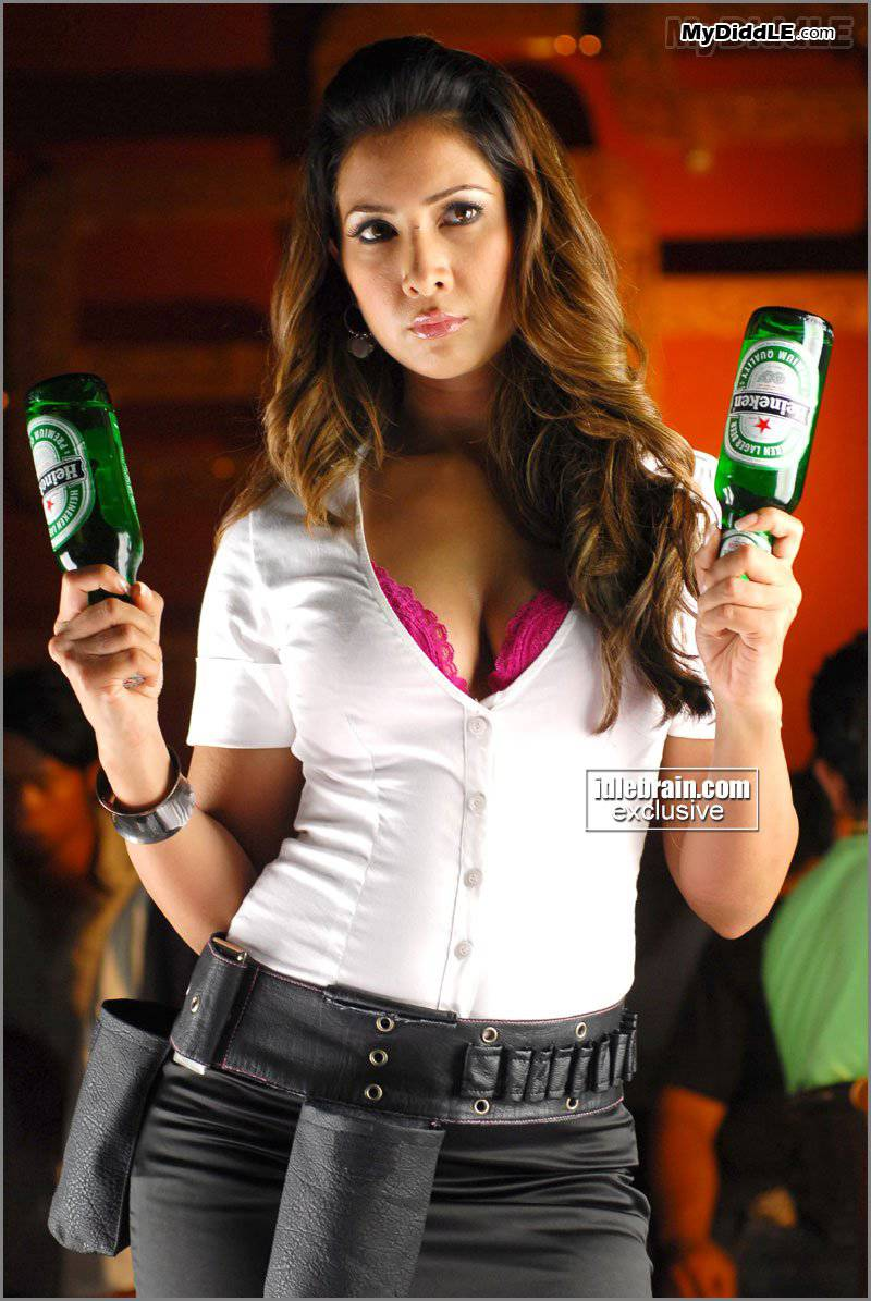 Kim Sharma as a Hot Bar Girl Material, Shows off Cleavage & pink bra
