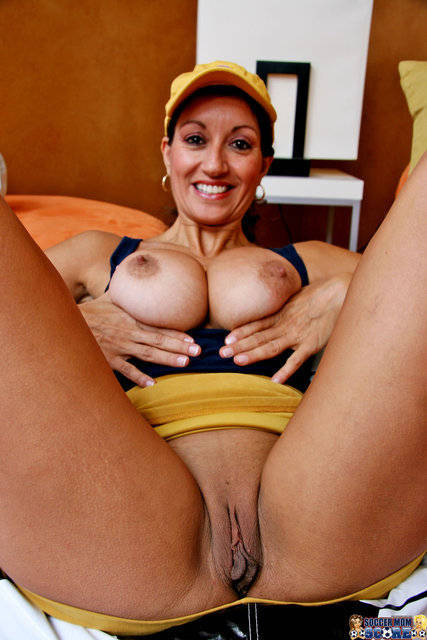 Housewife tamil auntys nude photos