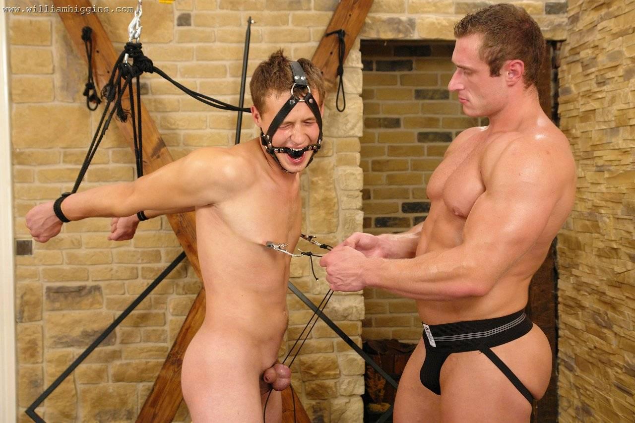 Сексуальная пытка парня 2 фотография