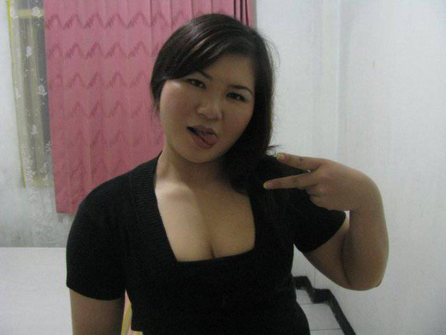 KOLEKSI FOTO HOT TANTE BOHAY Pic 16 of 35