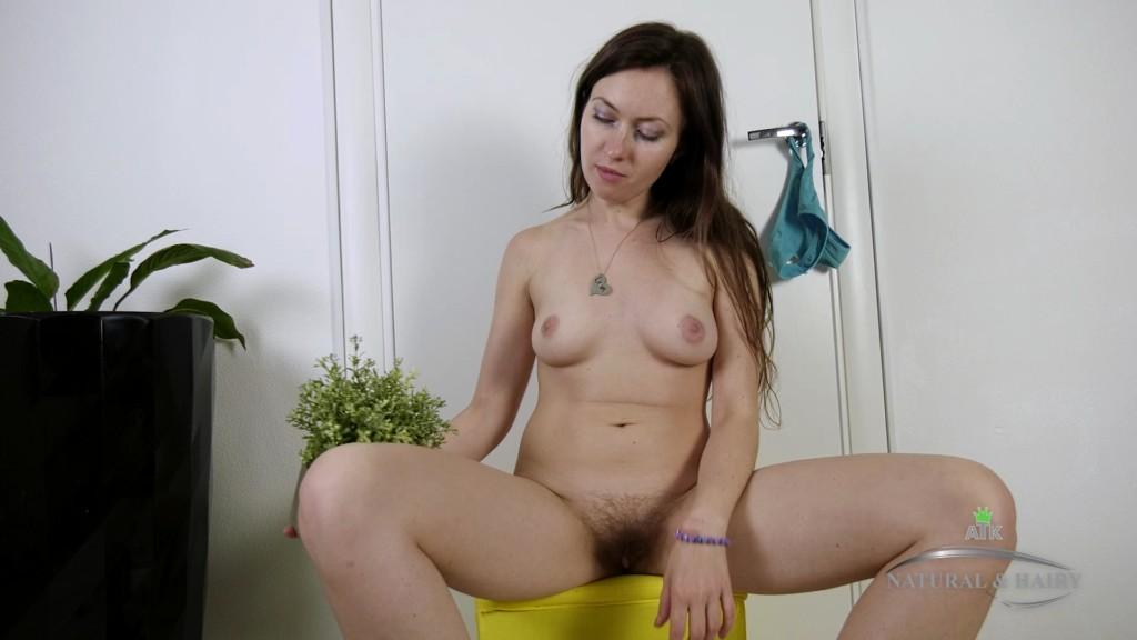 ATKHairy 19 11 22 Vita Masturbation XXX 1080p MP4-KTR