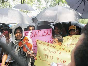 7962899369d8fd4f470be68f21d86e95cf739fd Kompak & Kopi Pahit Demo Kejatisu Usut Dugaan Mark Up di Sekretariat DPRD Padangsidimpuan